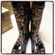 LOVE these rainboots I found...