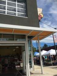 Cool pet store