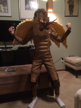 Kiddo's golden dragon Halloween costume.